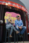 Celebrities Wonder 23082234_kristen-bell-cmt-music-awards_1.jpg